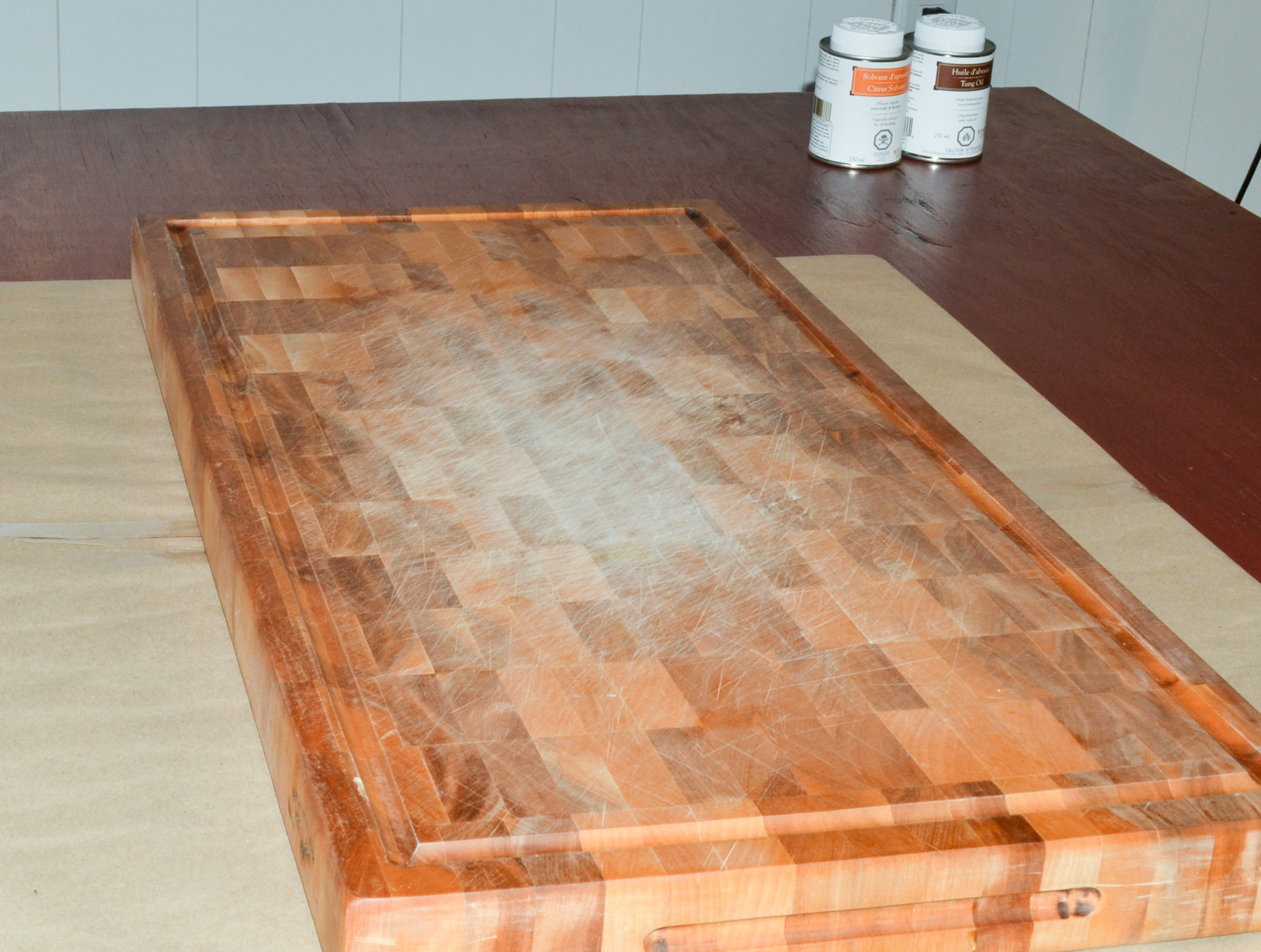 Finition et entretien d 39 une planche d couper d 39 un bloc for Planche en bois cuisine