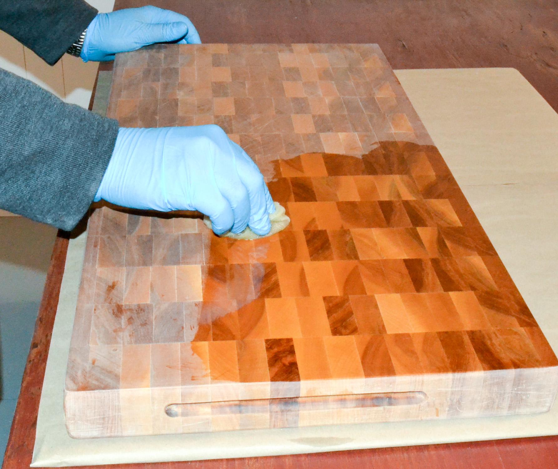 Finition et entretien d 39 une planche d couper d 39 un bloc de boucher - Huile pour plan de travail bois ...