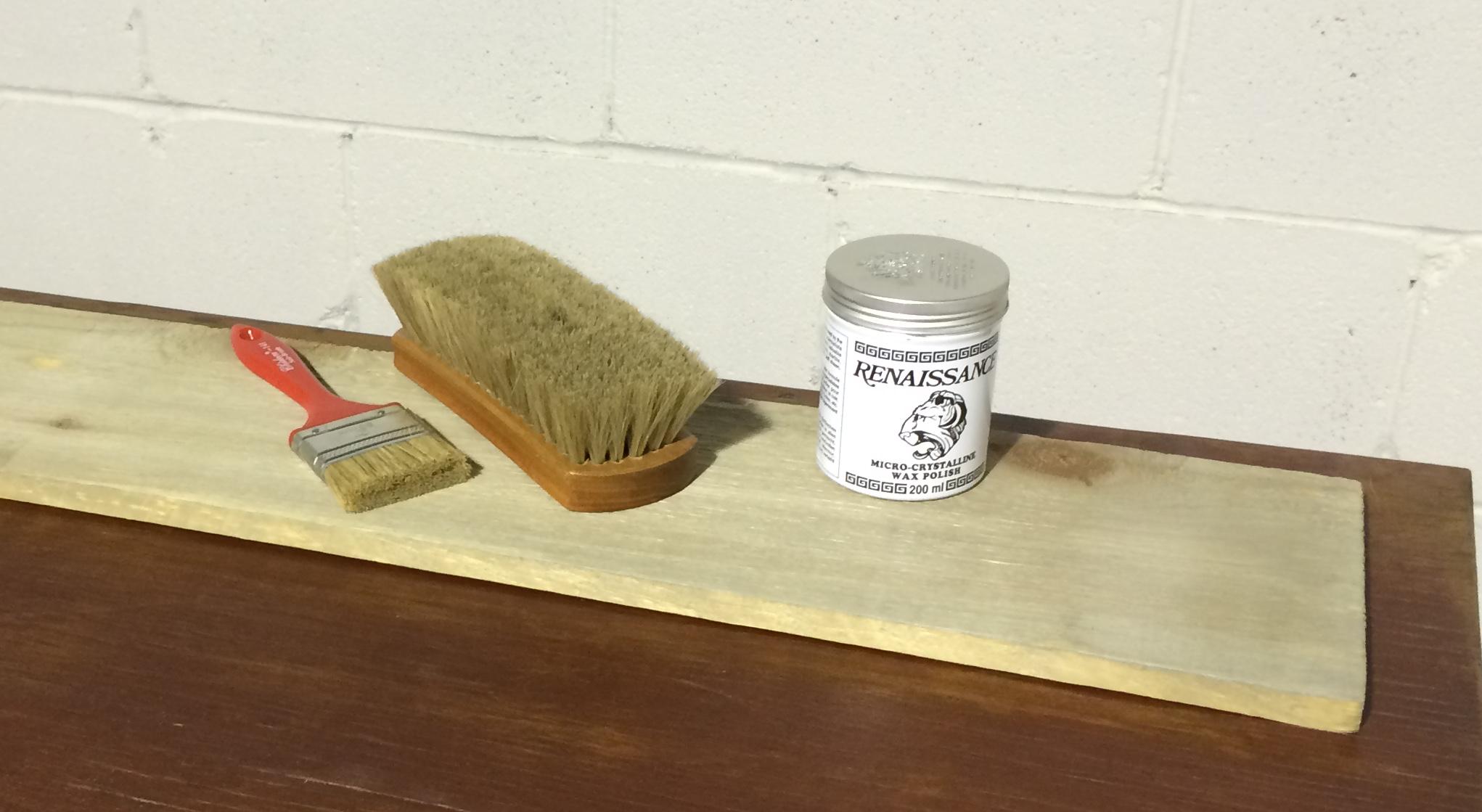 Bois de grange la solution pour le prot ger et l 39 entretenir for Installer un meuble mural