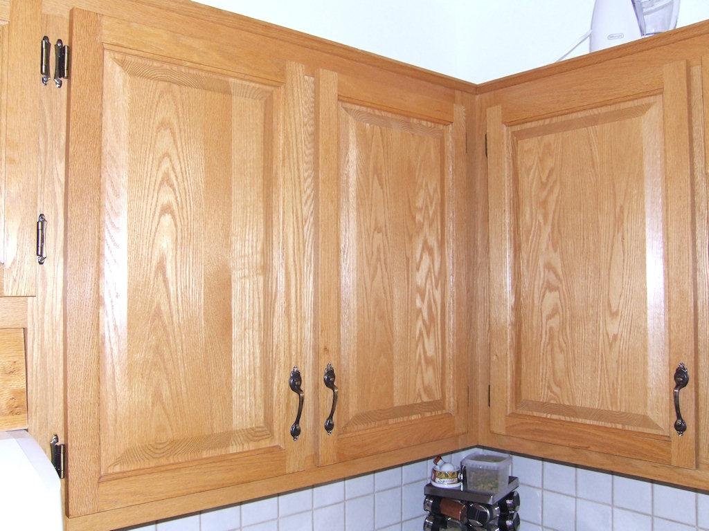 Armoires de cuisine en ch ne veines for Peindre armoire en bois
