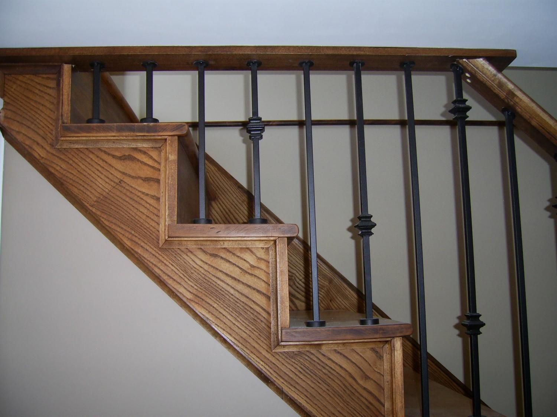 Escalier merisier et fr ne fini en uno et secondo for Couleur escalier interieur
