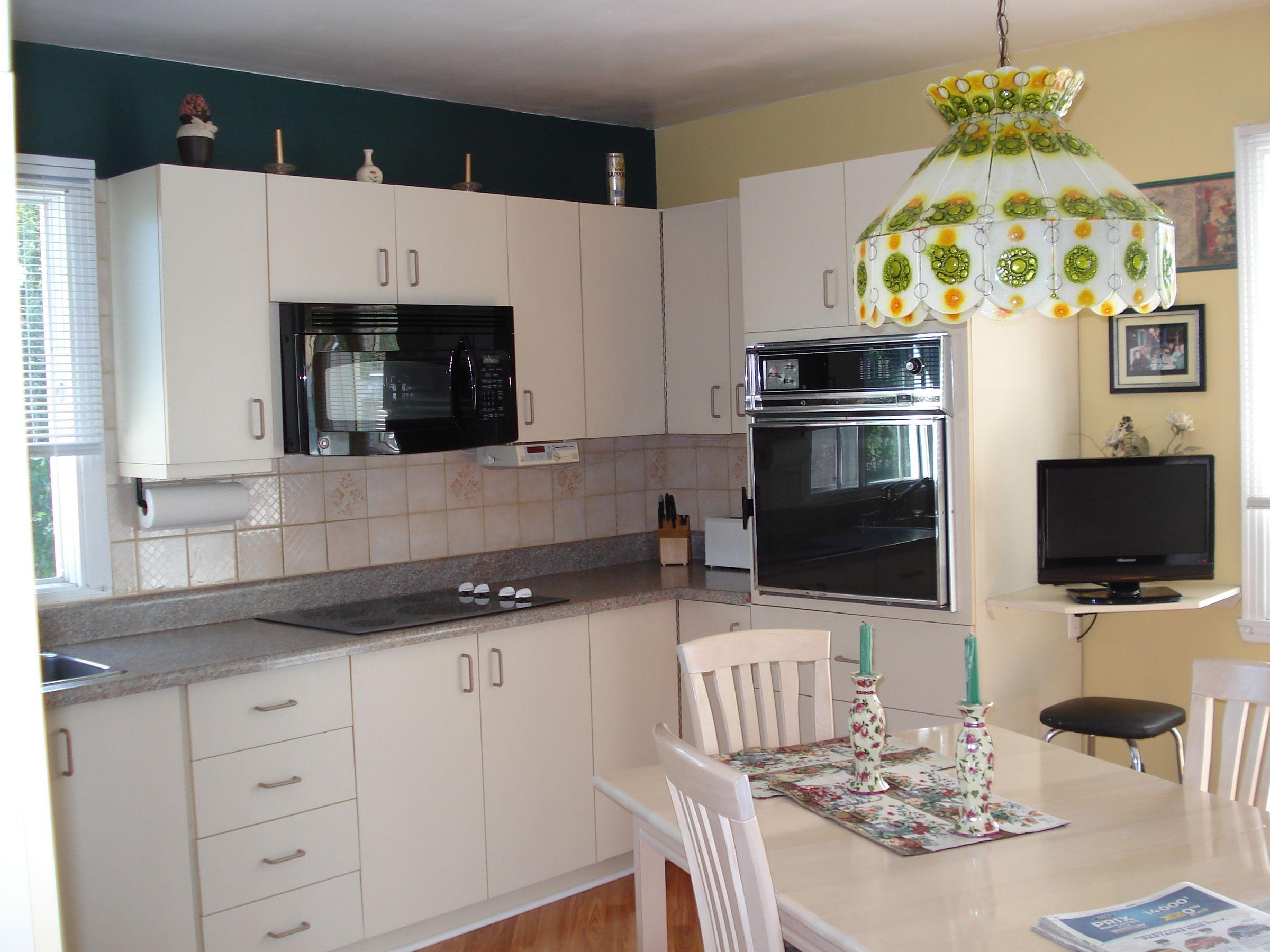 armoire m lamine. Black Bedroom Furniture Sets. Home Design Ideas