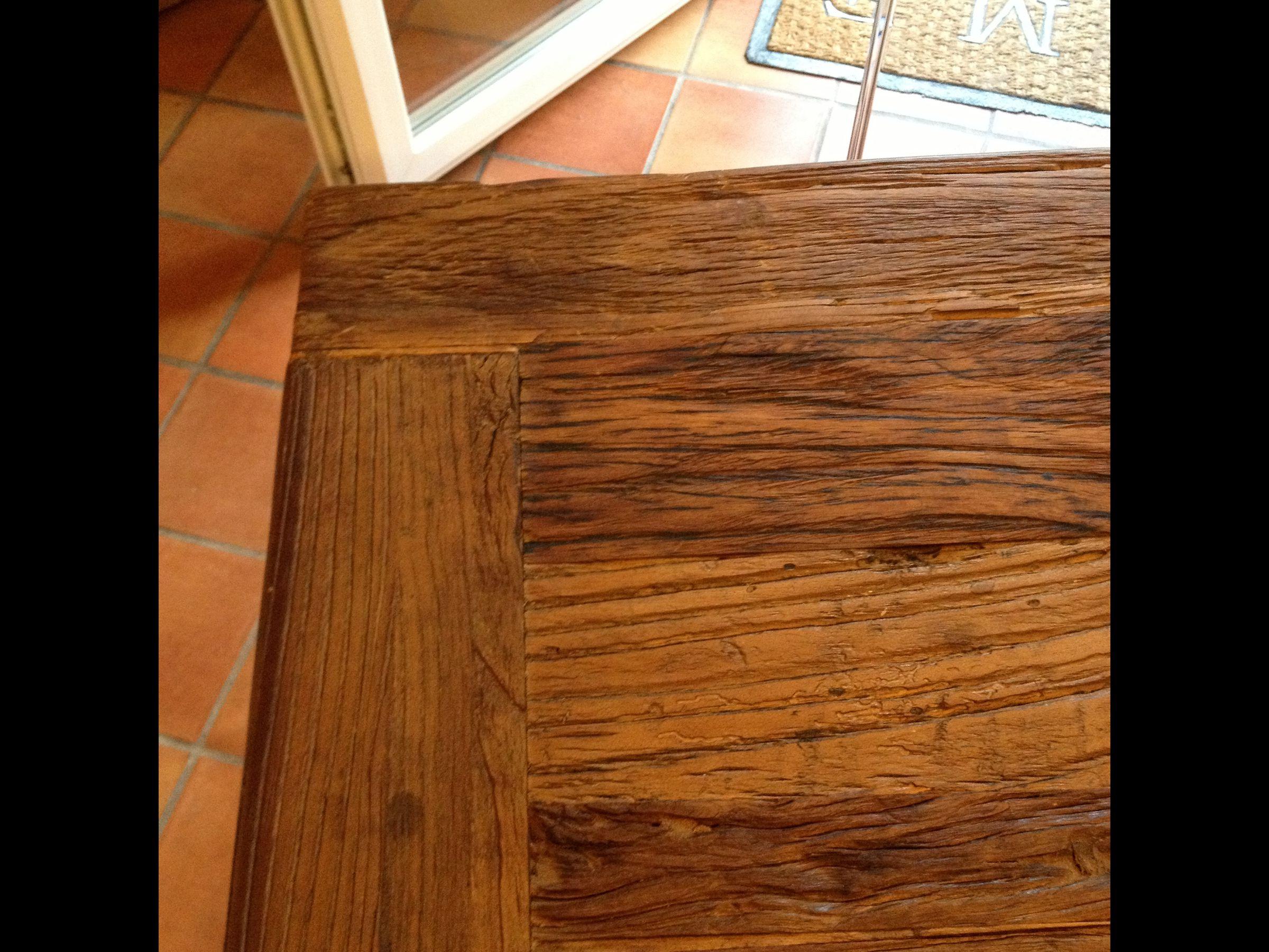 protection table manger en orme. Black Bedroom Furniture Sets. Home Design Ideas