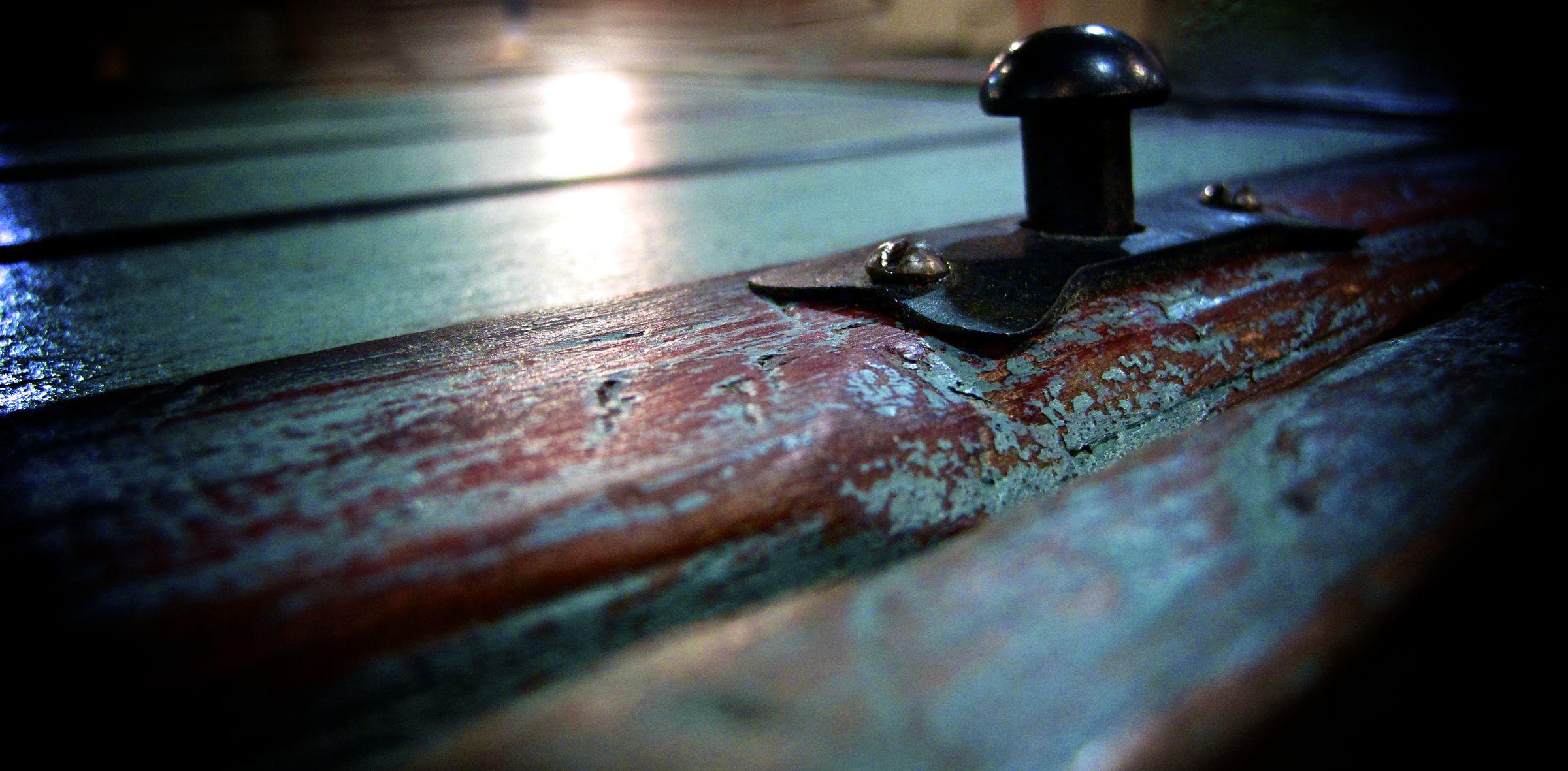 Reproduction de fini antique la peinture de lait ou de for Faux fini meuble