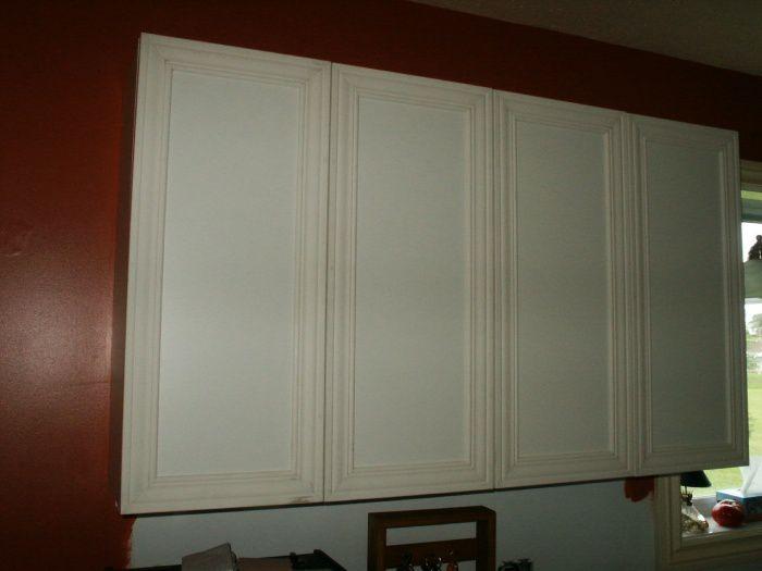 Restauration d 39 armoire de m lamine for Moulure armoire cuisine
