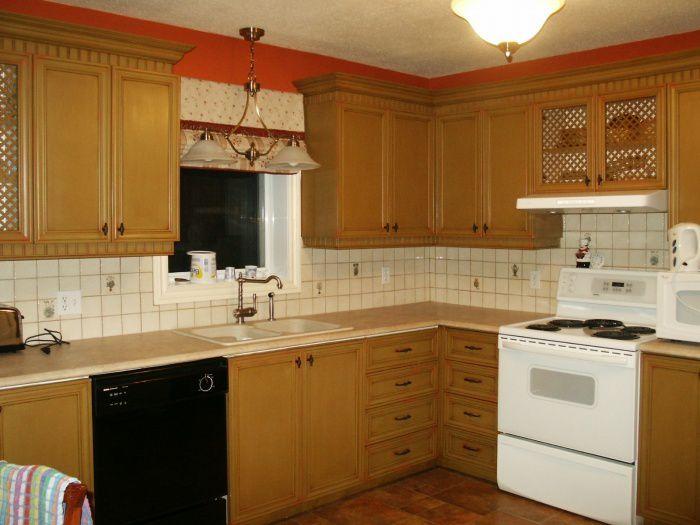 Restauration d 39 armoire de m lamine for Rangement pour armoire de cuisine en coin