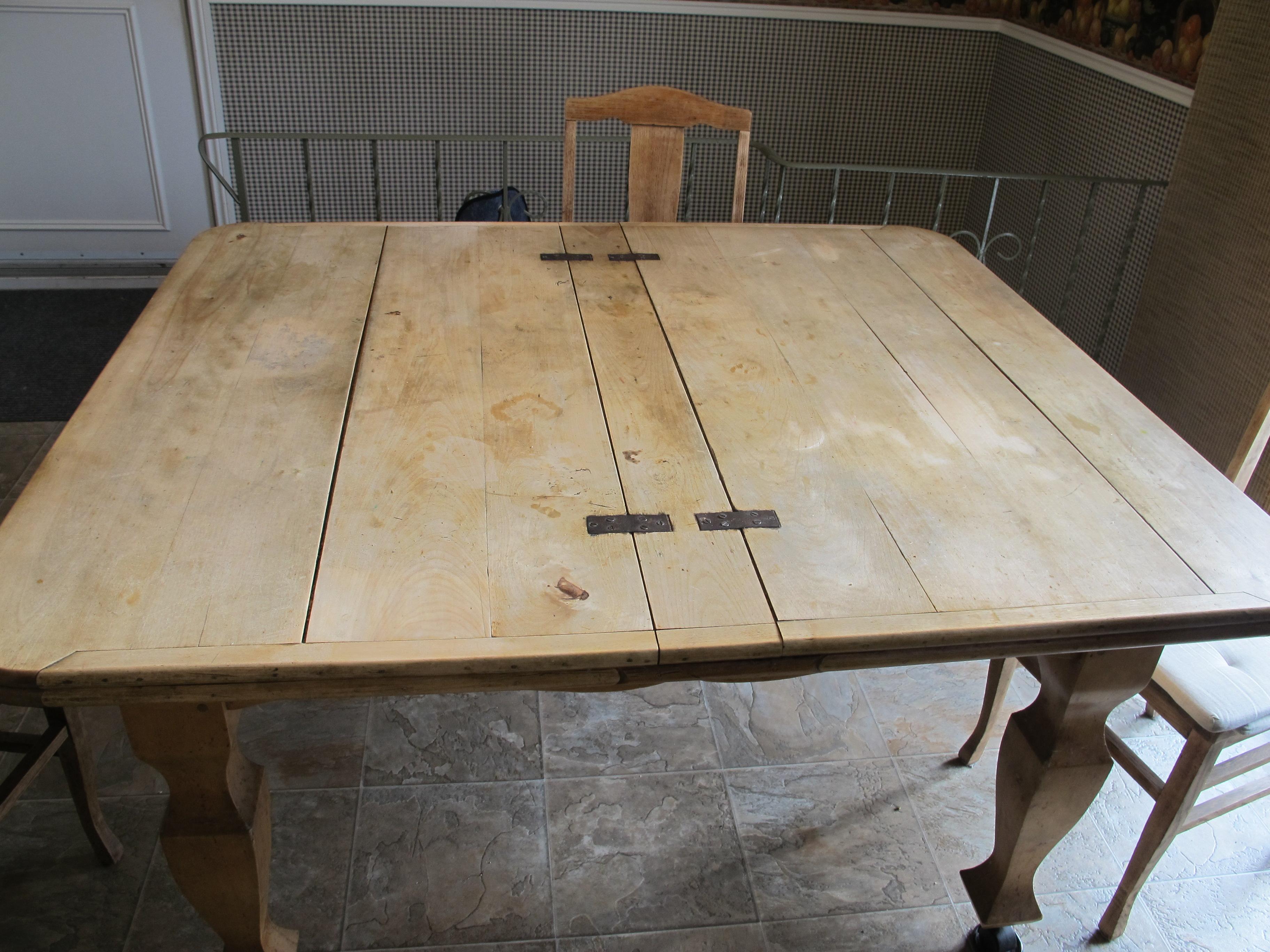 Restaurer table bois for Restaurer une table en bois
