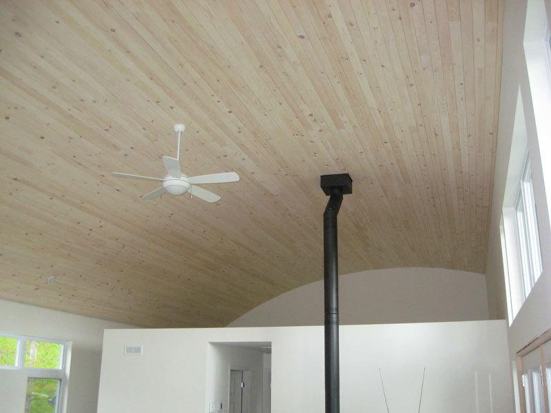 plafond pin blanc fini avec brio blanc antique. Black Bedroom Furniture Sets. Home Design Ideas
